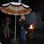 Ein Sonnenschirm schützt auch vor Regen