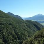 Über den Föhrenwald sehen wir zurück nach Hochzirl