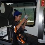 Pascal genießt die Zugfahrt