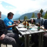 Mittagessen auf der sonnigen Terrasse der Glanzalm