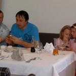 Mittagessen im Dolomitengolf - kleine und große Gratulanten