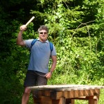 Kurzweilig geht es über den Walderlebnispfad zum Alpenrosenweg