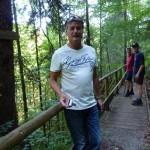Der Alpenrosenweg ist schön angelegt und führt beim Schwansee vorbei zu den Königsschlössern